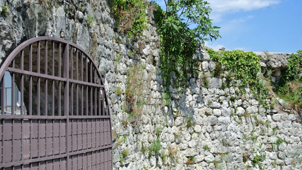 Römische Stadtmauer in Cividale del Friuli - goodstuff AlpeAdria