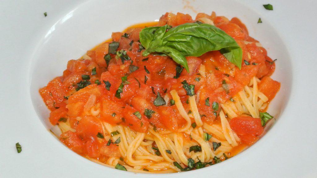 Tagliolini con Pomodoro fresco - goodstuff AlpeAdria