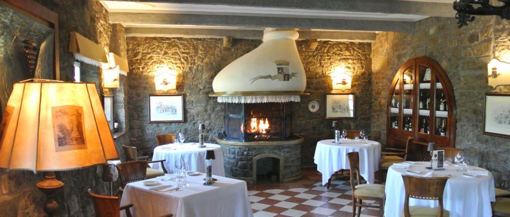 La Tavernetta al Castello - Gastraum mit Fogolar - goodstuff AlpeAdria