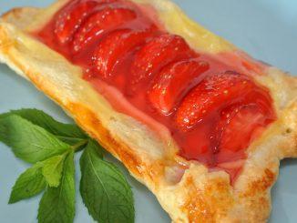 Erdbeeren im Blätterteig - goodstuff AlpeAdria