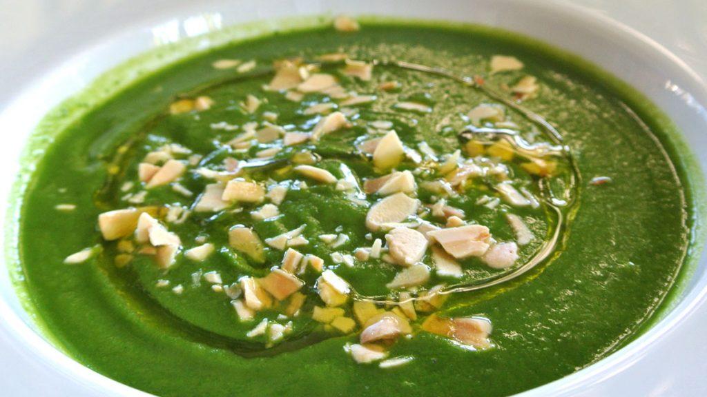 Crema di Zucchine e Spinaci con Quenelle di Formaggio Salato - goodstuff AlpeAdria